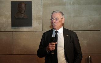 Boardroom in De Kuip vernoemd naar Gerard Kerkum