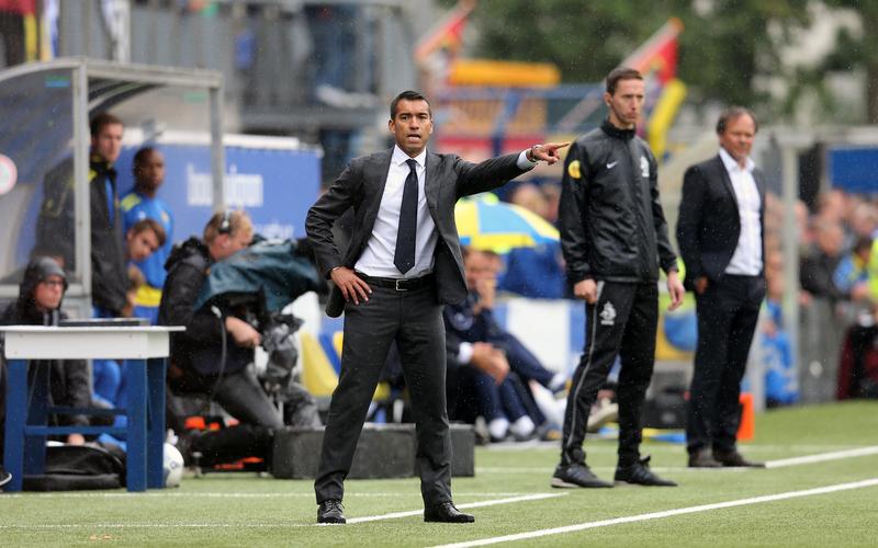 Opties te over voor Van Bronckhorst tegen Vitesse