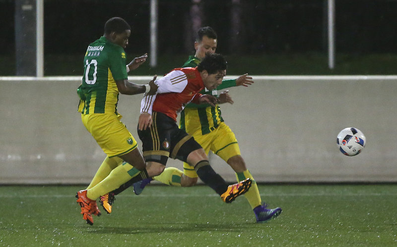 Feyenoord 2 start finalepoule met zege in Den Haag